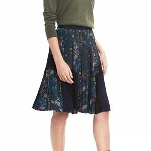 Banana Republic botanical floral pleated skirt